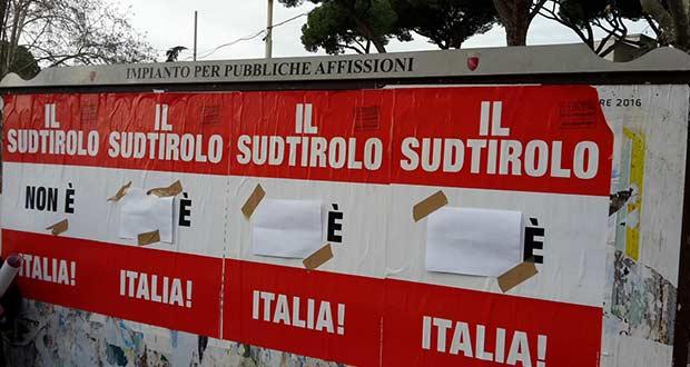 Il Sudtirolo non é Italia – Zahlreiche Plakate in Rom beschmiert