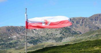 Südtiroler Heimatbund:   Gedanken zum Herz-Jesu-Sonntag 2020 Blumen für Herz-Jesu-Bild
